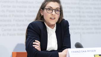 Franziska Ryser an einer Medienkonferenz in Bern.
