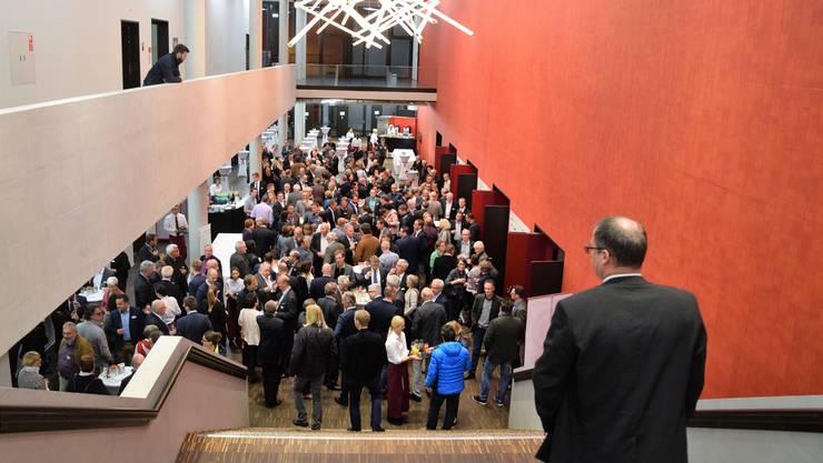 Am Martini-Treff vor zwei Wochen strömten Persönlichkeiten aus Wirtschaft und Politik in den Campussaal.