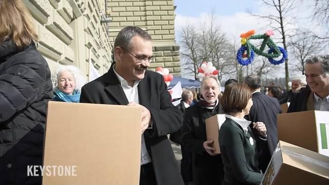 Velo-Initiative mit 105'000 Unterschriften eingereicht