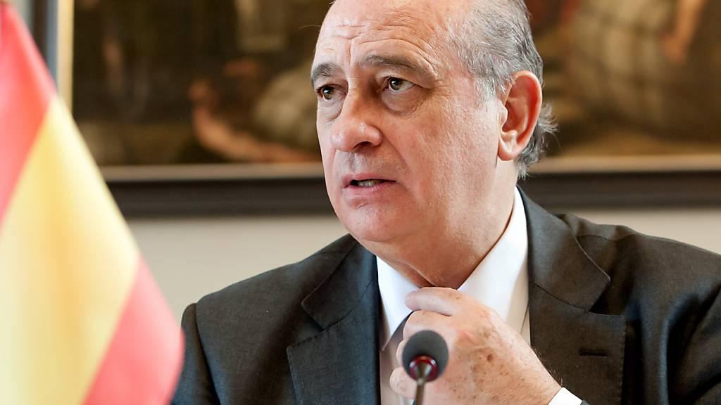Spionageaffäre in Spanien: Ex-Innenminister muss auf die Anklagebank