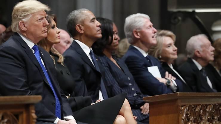 An der Trauerfeier für den früheren US-Präsidenten George H. W. Bush nehmen US-Präsident Donald Trump und seine demokratischen Vorgänger Barack Obama, Bill Clinton und Jimmy Carter teil.