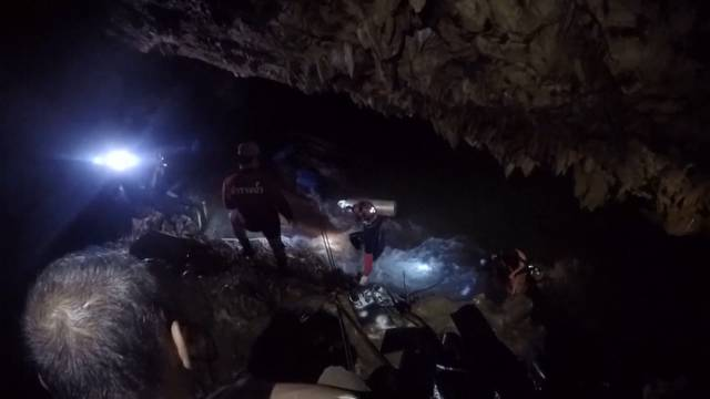 Internationale Hilfe für Höhlen-Drama in Thailand