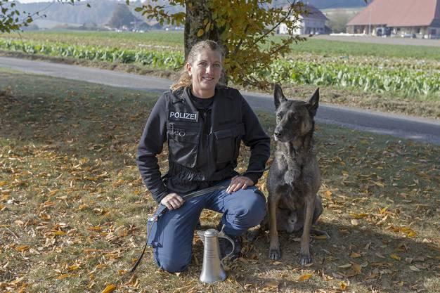 Frauchen Janine Zihlmann und Gin