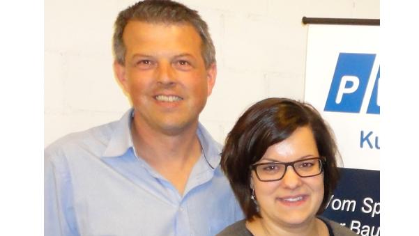 Adrian Schaad, neuer Parteipräsident der CVP Laupersdorf und die abtretende Präsidentin Daniela Wüthrich.