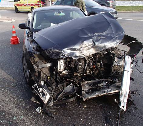 Der demolierte Audi.