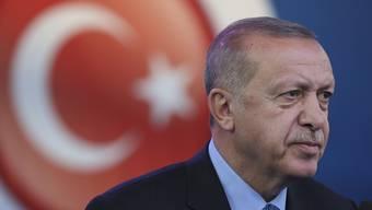Der türkische Präsident Recep Tayyip Erdogan hat am Mittwochnachmittag den Einmarsch in Syrien verkündet.