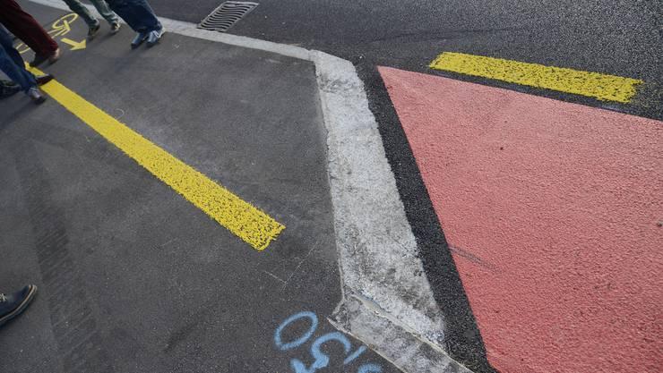 Die «Killerkanten», wie hier in Lohn-Ammannsegg, sind bei den Velofahrern stark umstritten und werden nun entfernt.