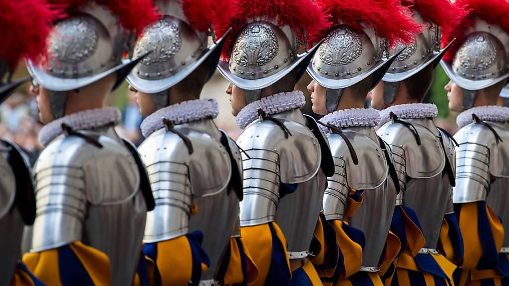 Die Schweizergarde im Vatikan. Nun sollen auch die politischen Beziehungen intensiviert werden. (Archivbild)