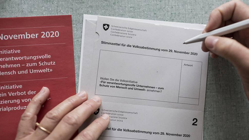 Künftig könnte das Stimm- und Wahlrechtsalter in der Schweiz bei 16 statt bei 18 Jahren festgesetzt werden. Das Projekt hat eine wichtige Hürde geschafft. (Themenbild)