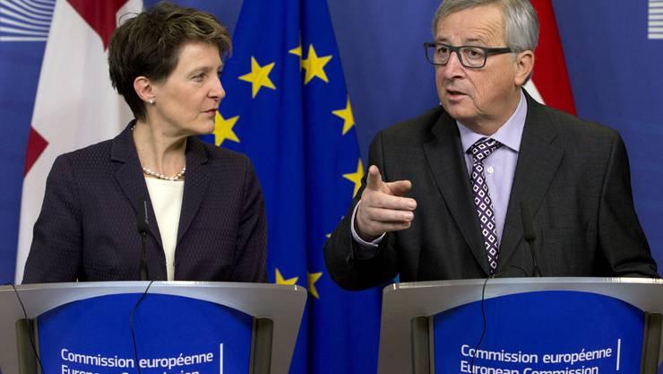 Kommissionspräsident Jean-Claude Juncker mit Bundespräsidentin Simonetta Sommaruga.