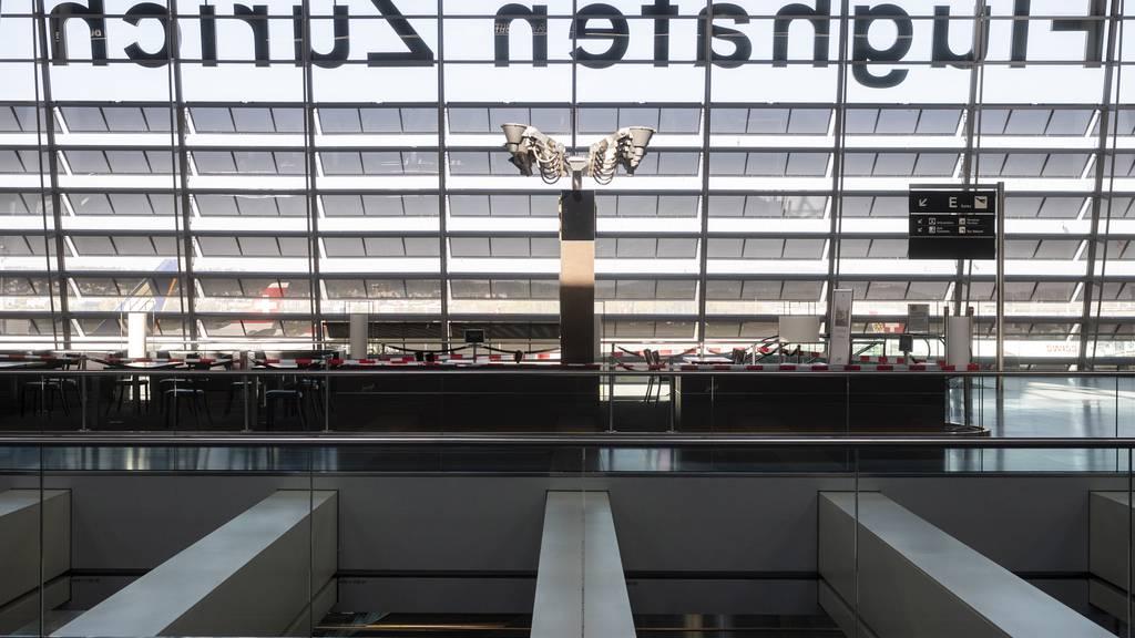 Trotz Sommerferien: Knapp 80 Prozent weniger Passagiere flogen im Juli ab Zürich