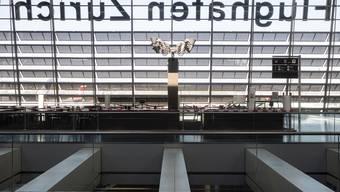 Wegen der Coronakrise sind die Passagierzahlen am Flughafen Zürich auch im Juli stark unter dem Vorjahresniveau.