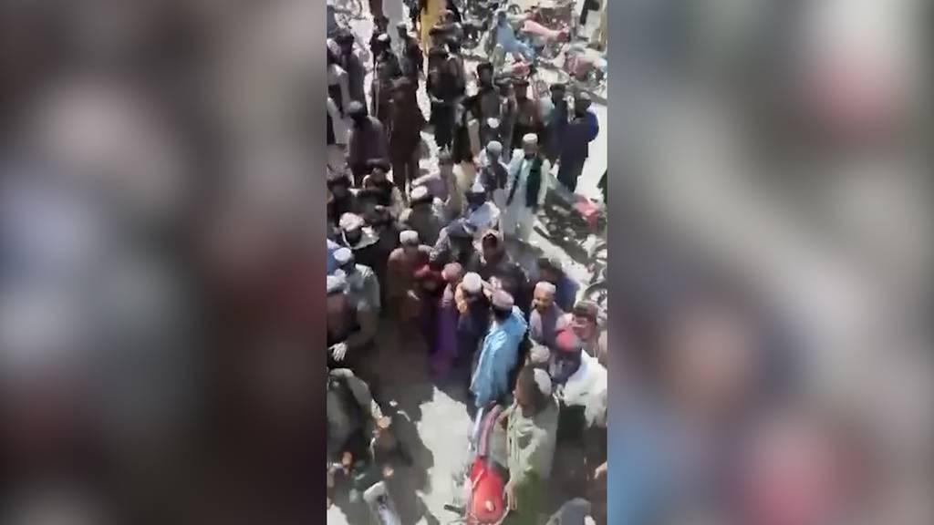 Afghanistan: Autobombe und Mörsergranaten töten 23 Zivilisten