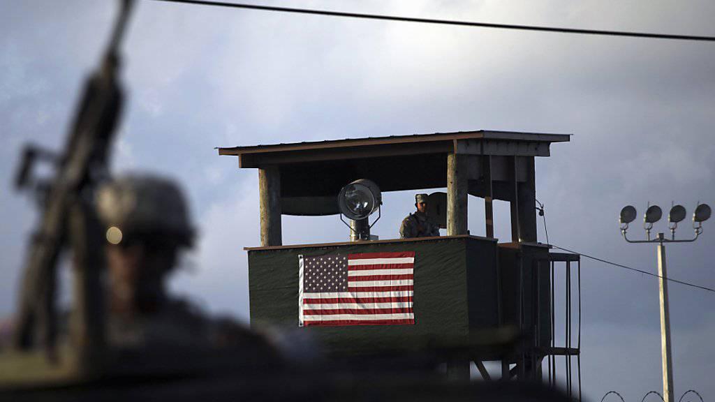 Schwer bewacht und heftig umstritten: US-Gefangenenlager Guantánamo (Archiv)