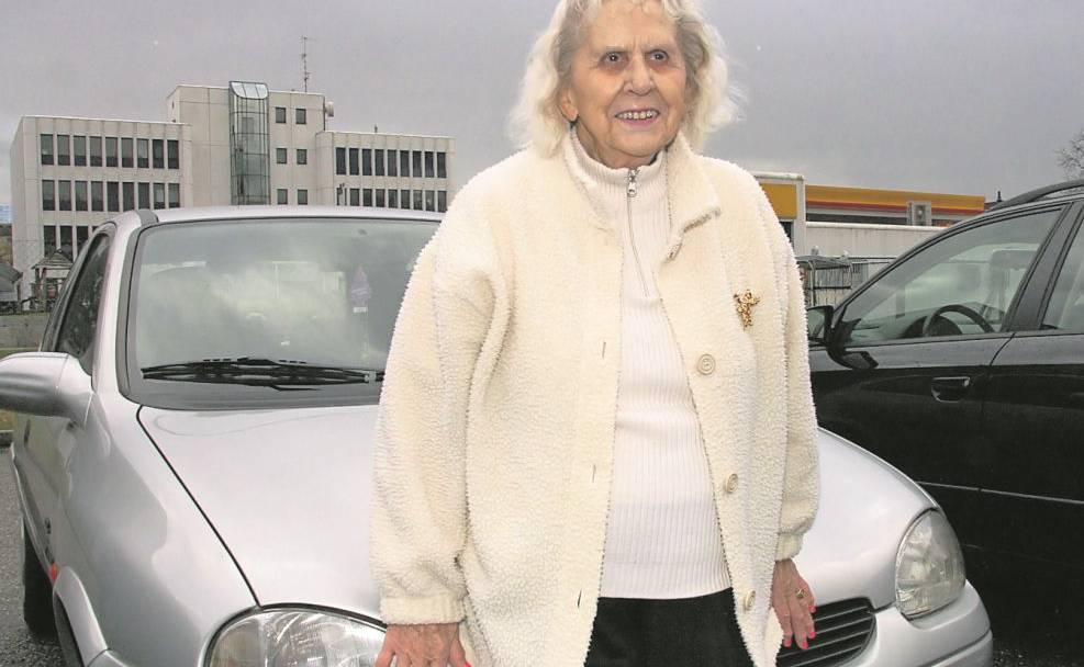 Auf Einkaufstour mit einer 85-jährigen ehemaligen Taxifahrerin