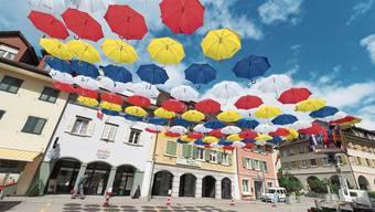 So wie die Balsthaler Goldgasse im Sommer 2018 soll auch die Kirchgasse in Olten ein Schirmdach erhalten.