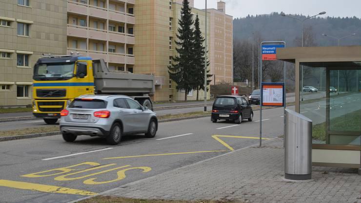 Urdorf Feldstrasse Bushaltestelle Neumattstrasse Fahrbahnhaltestelle oder Busbucht Debatte Kantonsrat