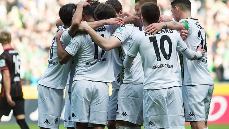Die Gladbacher bejubeln bereits den 10 Sieg aus den letzten 12 Heimspielen
