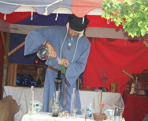 Der Alchemist am Werk.