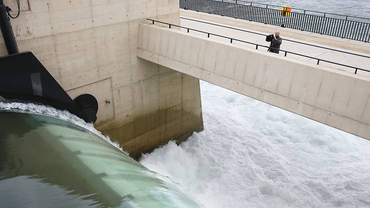 Zur Entspannung auf dem Strommarkt hat der Regen im Januar beigetragen, denn mit Laufwasser konnte mehr Strom erzeugt werden als für die Jahreszeit üblich. (Archivbild)