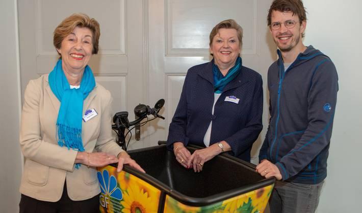 Brigitte Marti, neue Präsidentin SGF, Edith Ursprung, abtretende Präsidentin SGF, Philipp Keel Geschäftsleiter Collectors