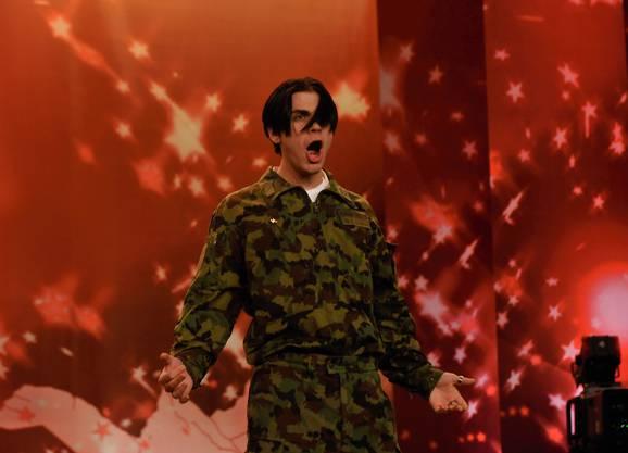 «Rekrut Lanz» imitierte während der RS in Militäruniform Michael Jackson und erlangte dadurch nationale Berühmtheit.