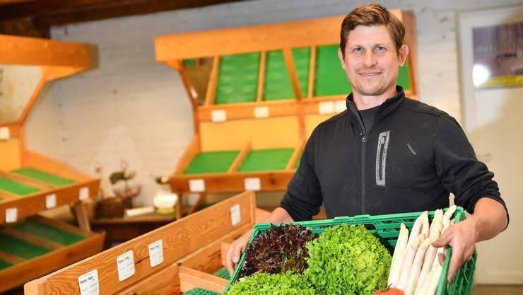 Sein Gemüse und die Früchte verkauft Roman Grob künftig nur noch an den Wochenmärkten in Olten und in seinen Hofläden in Lostorf und Winznau.