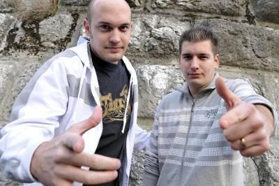 Das Hip-Hop-Duo «Panadox» machen zusammen mit der Vernissage von Robert Keusen den Auftakt im Kulturm.