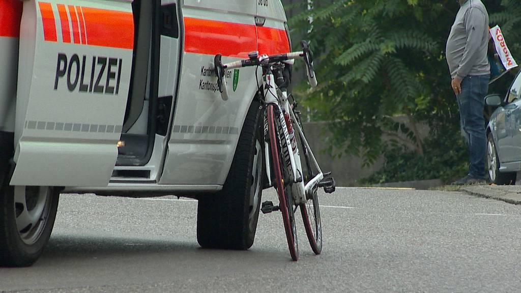 Rennvelofahrer bei Selbstunfall in Wil (SG) schwer verletzt