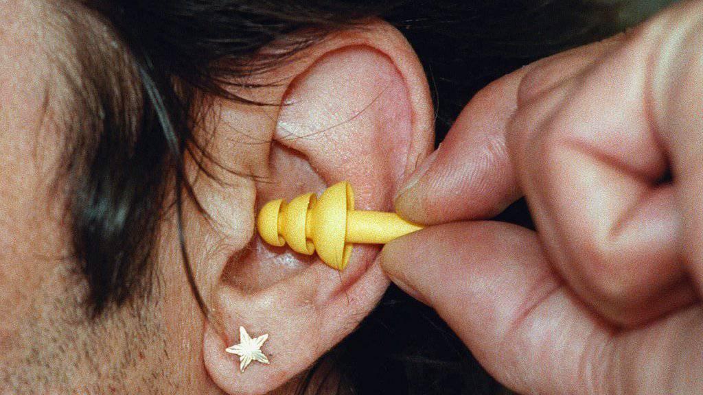 Unser Gehör ist älter als wir selber. Bei Lärmbelastungen empfiehlt sich daher ein Gehörschutz. (Symbolbild)