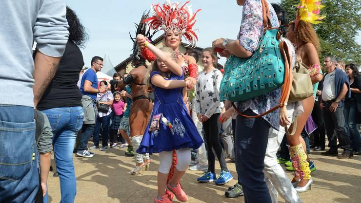 Tanzgruppen aus der ganzen Welt sind dabei.