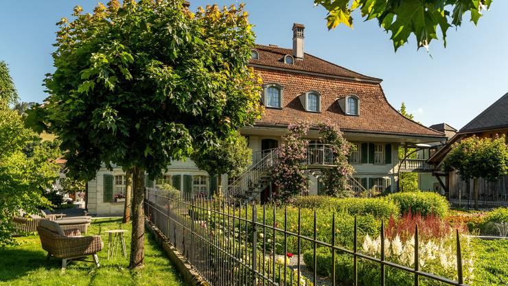 Der Bären in Dürrenroth im Emmental lebt das Motto «Gastlichkeit, Genuss und Geschichte im Romantik Hotel Bären in Dürrenroth – dort, wo Tradition modern ist!».