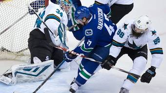 Sven Bärtschi (Bildmitte) könnte bald wieder für die Vancouver Canucks auflaufen