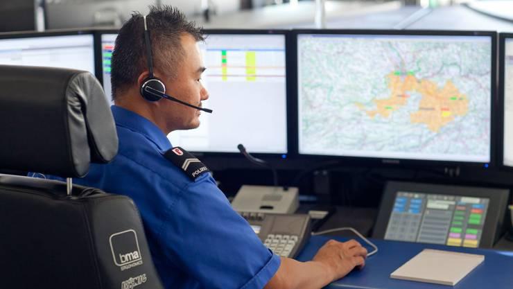 Die Einsatzzentrale der Baselbieter Polizei hatte im 2013 weniger zu tun als im Vorjahr. (Symbolbild)