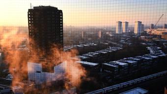 Im Rahmen eines nationalen Gedenkgottesdienstes wurde ein halbes Jahr nach dem Grossbrand im Grenfell Tower der 71 Toten gedacht.