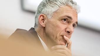 Bundesanwalt Michael Lauber holt zum Konter aus: Er hat nun seinerseits ein Ausstandsgesuch gegen den Bundesstrafrichter eingereicht, der ihm Befangenheit vorgeworfen hat. (Archivbild)