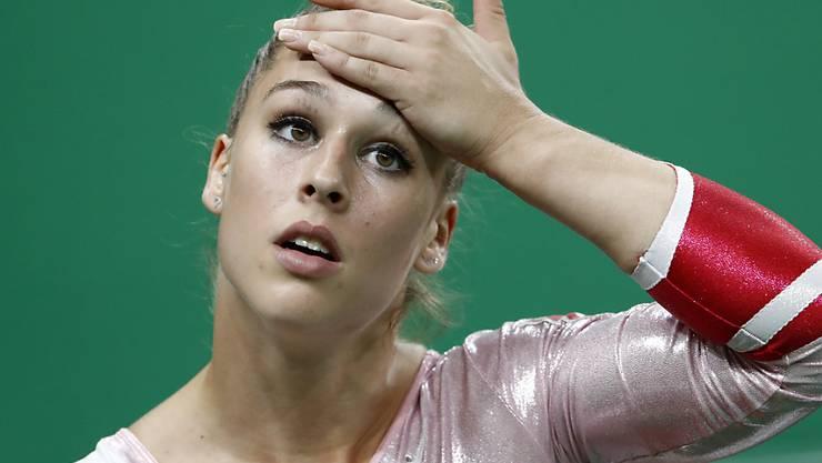 Wie schwer hat sich Giulia Steingruber beim Länderkampf in Saint-Etienne verletzt?