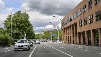 Bellerivestrasse zwischen der Kreuzstrasse und der Ida-Bindschedler-Strasse stadteinwärts für den Verkehr gesperrt. (Archivbild)