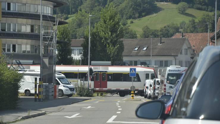 Ein Ärgernis: Die Schranke beim Rundhaus in Suhr.