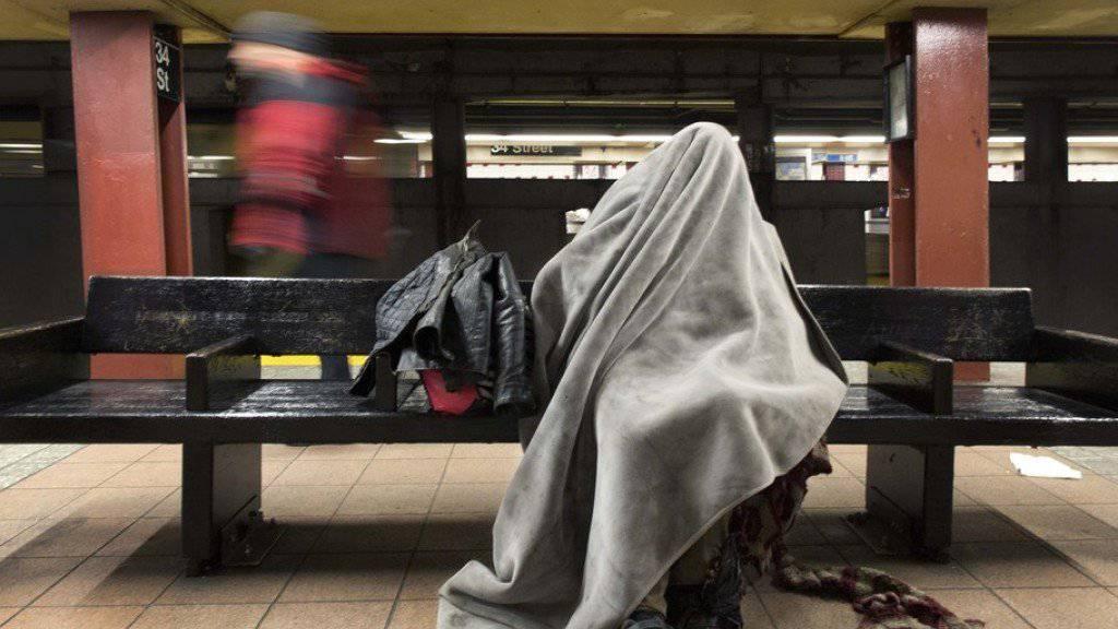Obachloser in einer U-Bahn-Station in New York. (Archivbild)