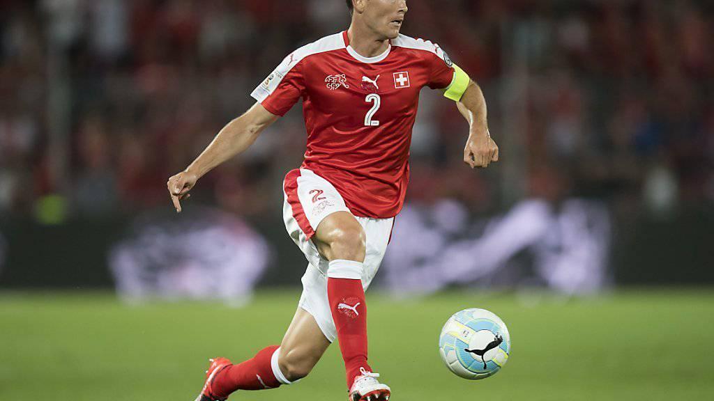 Der Schweizer Captain Stephan Lichtsteiner am Ball im Spiel gegen Europameister Portugal