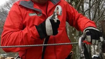 Seilpark-Verunfallter sagt, dass die abgegebenen Handschuhe beschädigt gewesen seien.