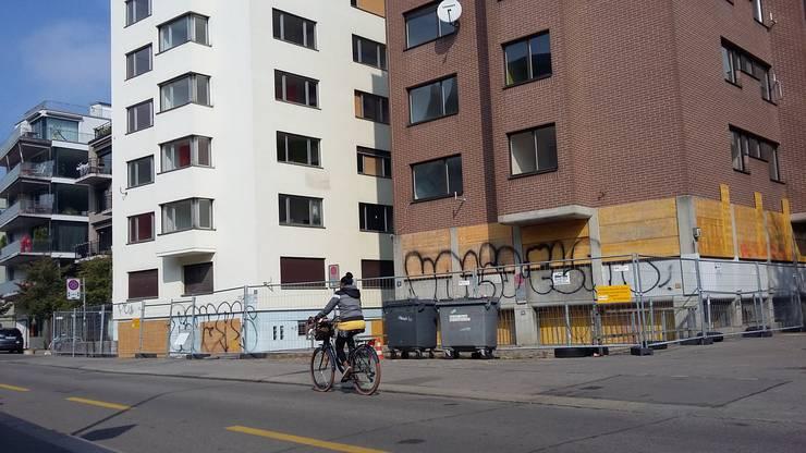 Die beiden Häuser an der Neufrankengasse 6 und 14 im Kreis 4.