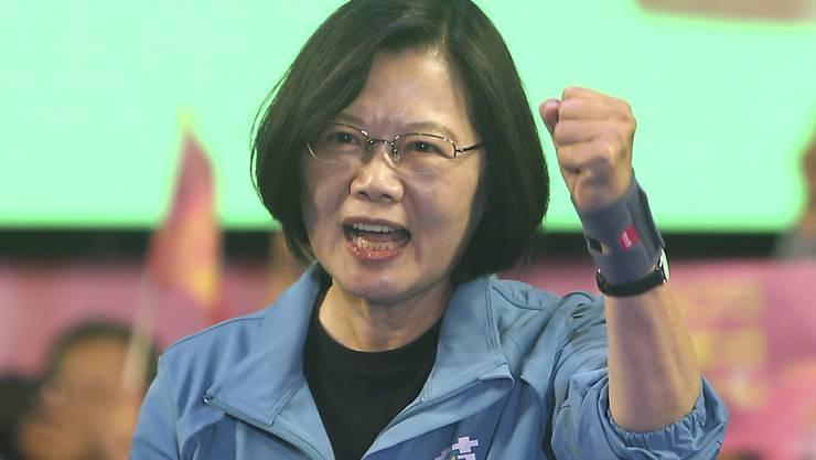 Taiwans Präsidentin Tsai Ing-wen will die Souveränität ihres Landes gegenüber China verteidigen. (Archivbild)