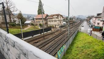 Ein Brennpunkt des Widerstands: 23 Personen aus dem Schwieri-Quartier wehren sich gegen die ersatzlose Aufhebung des Bahnübergangs in der Bildmitte.