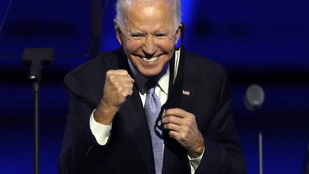 dpatopbilder - Joe Biden, «President Elect», freut sich nach seiner Ansprache in Wilmington, Delaware. Foto: Andrew Harnik/AP/dpa