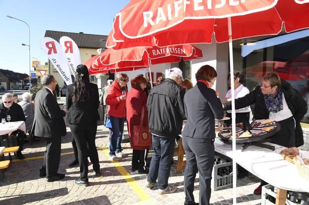 Impressionen von der Eröffnung der Raiffeisenbank in Birmenstorf.