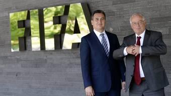 Fifa-Chefermittler Michael J. Garcia (links) und der deutsche Richter Joachim Eckert, Vorsitzender der Spruchkammer der Fifa-Ethikkommission.