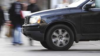 Der Automobilist/in beging Fahrerflucht. (Symbolbild)