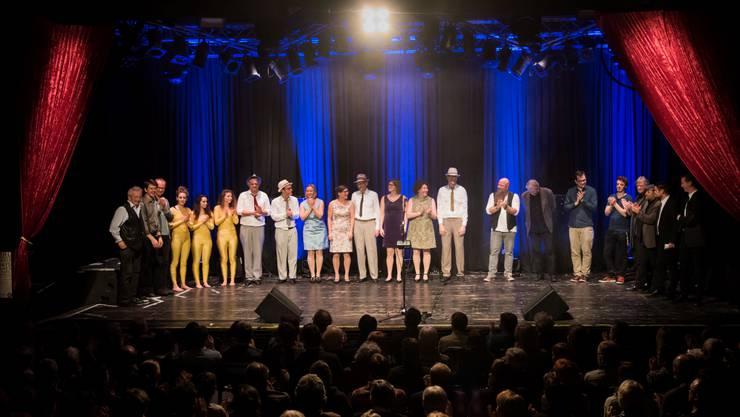 Alle Künstler des 10. Kleinkunsttages vereint auf der Bühne des Kofmehls